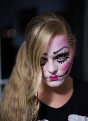 horror puppe make-up makeup